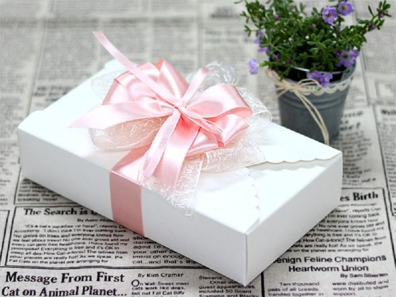 10 mẫu hộp giấy đựng quà xinh xắn